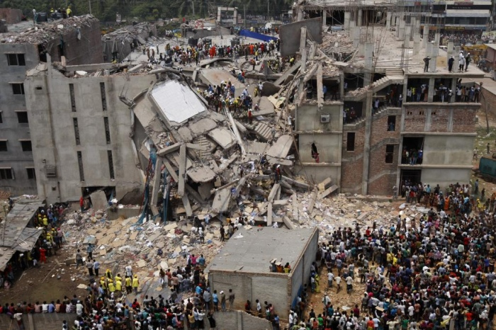 The Rana Plaza building collapsed on 24 April 2013. Photo by Rijans, Creative Commons  (Flickr: Dhaka Savar Building Collapse)